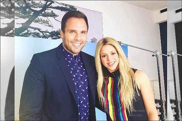 3 février 2016 : Shakira à donné une interview pour l'avant-première du film Zootropolis à Barcelone Shakira était plus que magnifique *___* Ses cheveux lisses sont très jolis, son maquillage naturel, son haut... tout était PARFAIT !