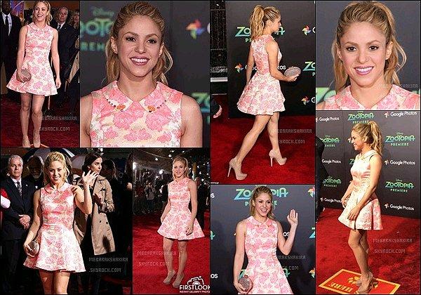 17 février 2016 : Shakira était présente à l'avant première du film d'animation Zootopia à Los Angeles Shakira était ravissante ! J'aime beaucoup sa petite robe rose à fleurs et sa queue de cheval. Un vrai rayon de soleil sur ces photos