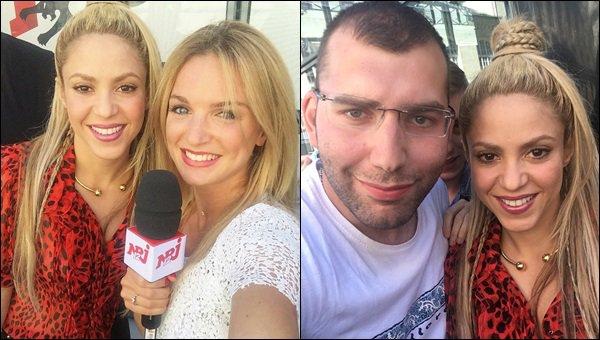 10 juin 2017 : Shakira a pris des photos avec des fans avant de se rendre à l'émission de Cauet pour NRJ Shakira était superbe avec son petit chemisier rouge. Lors de l'émission de Cauet Shakira a chanté Me enamoré avec ses fans présents.