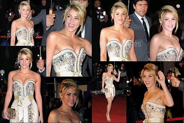 28 Janvier 2012 : Shakira était présente à la cérémonie des  NRJ MUSIC AWARDS à Cannes Shakira était tout simplement sublime dans cette petite robe bustier, j'aime beaucoup sa coiffure, elle était vraiment au TOP