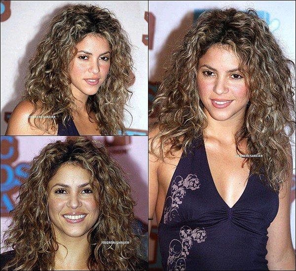 3 novembre 2005 : Shakira aux MTV Europe Music Awards à Lisbonne