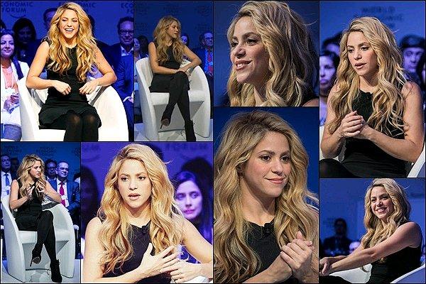 17 Janvier 2017 : Shakira au Meeting du Forum économique annuel à Davos en Suisses J'aime beaucoup sa petite robe noire, elle était encore une fois très jolie et très concerné par la cause de l'éducation des enfants