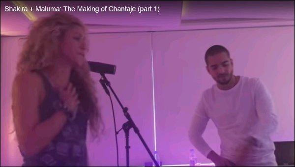 Début novembre 2016, Shakira a posté des vidéos du Making Of de Chantaje avec Maluma L'enregistrement du single a eu lieu en septembre dernier à Barcelone. Il y avait une bonne ambiance dans le studio d'enregistrement