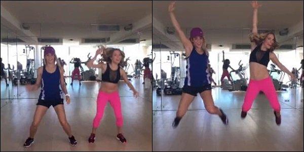 """30 Juin 2016 : Shakira a posté une gif lors de son entraînement avec sa coach sportive Anna Kaiser Légende du Tweet : """"Avec @TheAnnaKaiser @AKTINMOTION! Girl power!! Shak"""" Elles ont l'air de s'éclater ensembles ^_^"""