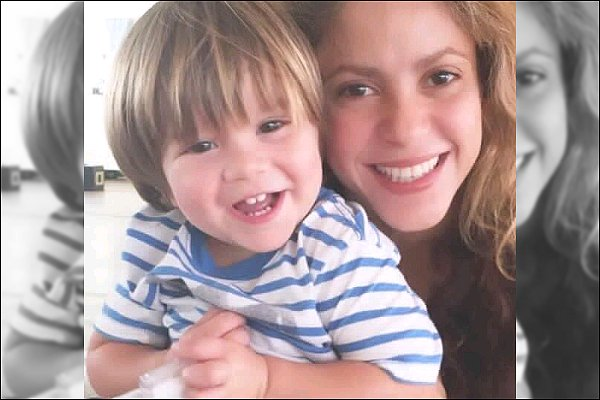 """15 Novembre 2016 : Shakira a posté une adorable photo en compagnie de son fils Sasha """"Merci pour tous vos messages quand Sasha était malade. Tout va bien maintenant, et la joie est revenue !"""""""