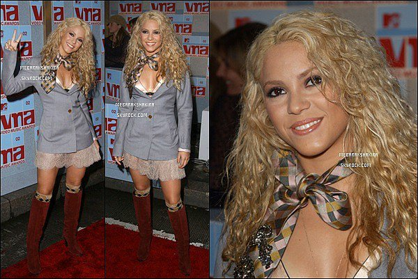 29 août 2002 : Shakira aux MTV Video Music Awards à New York