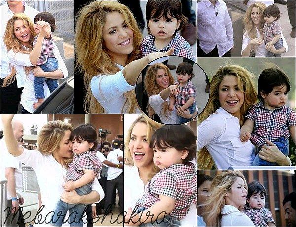 24 février 2014 : Shakira & Milan se sont rendu à Cartagena pour l'inaugurationd'une nouvelle école Shakira et sa famille étaient à Cartagena pour l'inauguration d'une nouvelle école en Colombie avec sa fondation Piez Descalzos.
