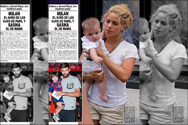 15 Juillet 2015 : Shakira & et son fils Sasha Piqué Mebarak sortant dans les rues de Barcelone S. a l'air fatigué sur ces photos, sinon côté tenue elle est super ! J'aime beaucoup son short doré, il lui va bien