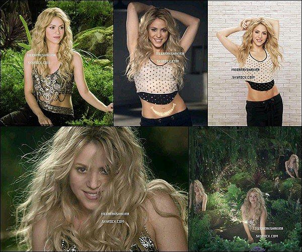 2014, Notre jolie Shakira est la nouvelle ambassadrice d'Activia de Danone Shakira est magnifique dans cette publicité !! J'adore son petit haut, elle nous épate encore avec ses abdos en bétons et joli déhanché