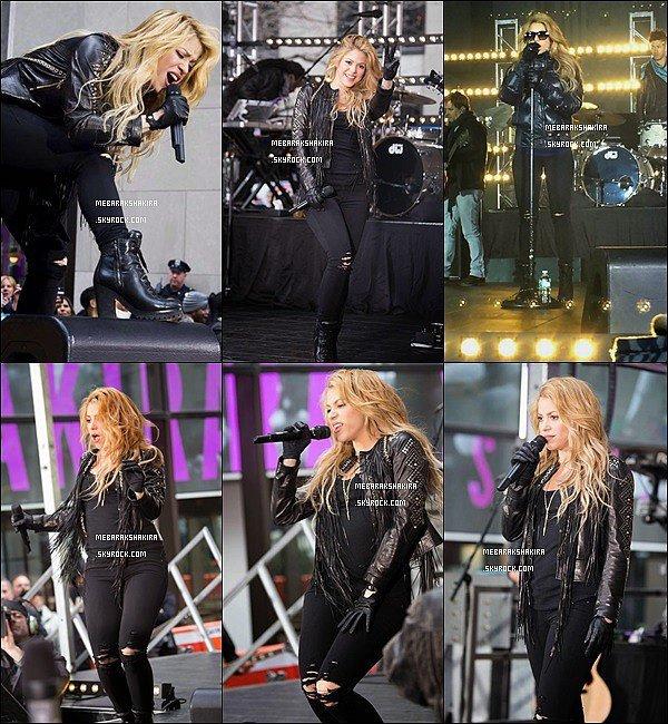 26 mars 2014 : Shakira donnant un concert pour leToday Show à New York City Shakira était superbe toute en noir ! J'adore sa veste en cuire à frange, elle est canon et se donnait à fond sur scène !