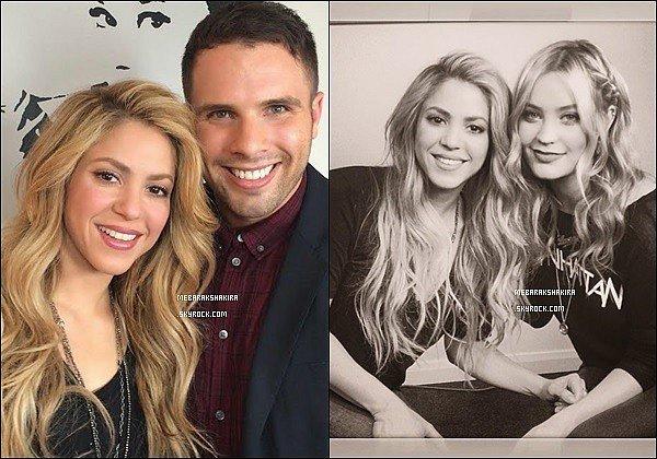29 mars 2014 : Shakira était présente à la version anglaise l'émission de The Voice en Angleterre Mlle Mebarak avait chantéEmpire sur le plateau de The Voice UK, elle était géniale sur scène, de plus sa tenue était au TOP !