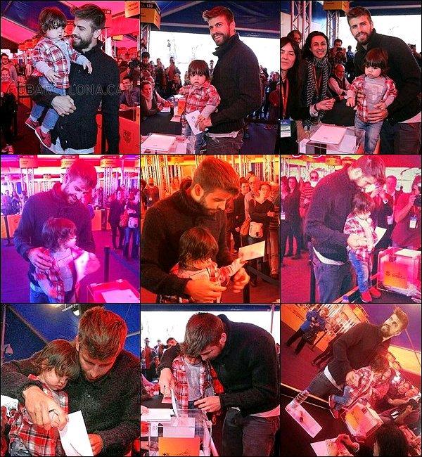 5 avril 2014 : Milan et son papa sont allés voter tous les deux à Barcelone en Espagne Gerard a l'air très fier d'avoir son fils avec lui pour ce moment décisif... Ils sont mignons tous les deux.