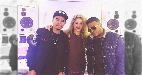 12 décembre 2016 : Shakira et Nicky Jam travaillant sur un nouveau single en studio d'enregistrement Et une nouvelle collaboration pour la belle, cette fois ci avec le chanteur américain Nicky Jam, le connaissez-vous ? qu'en pensez-vous ?