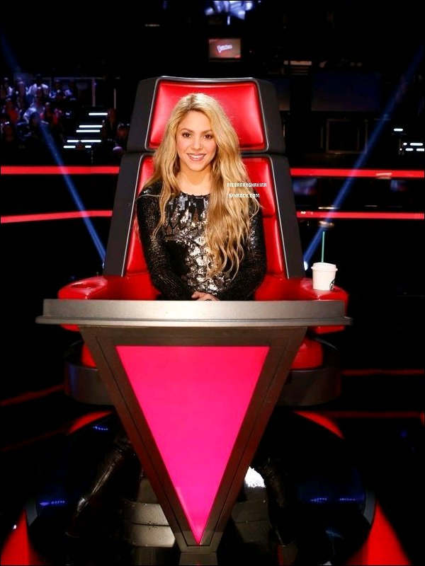 5 mai 2014 : Shakira enregistrant un nouvel épisode de The Voice en compagnie des autres coach + Gwen et Pharrell remplaceront Shakira et Usher pour la septième saison de The Voice aux Etats-Unis