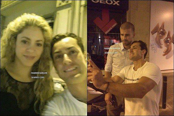 24 juillet 2014 : un fan a eu la chance de faire une photo avec le couple dans les rues de Barcelone