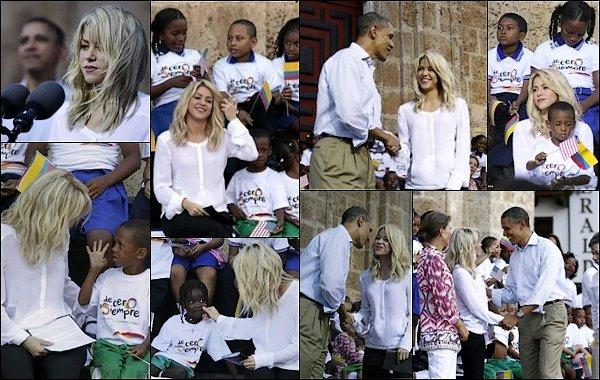 17 Avril 2012 : Shakira a été aperçu arrivant à l'aéroport de Londres au Royaume Unis Shakira était superbe et très souriante, j'aime bien son manteau, de pus son chapeau lui va bien également
