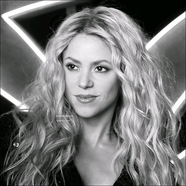 27 septembre 2014 : La belle Shakira a changé la photo de profil de son compte Facebook Rock! by Shakira. The new fragrance / Rock! by Shakira. La nueva fragancia. http://www.shakira-beauty.com/