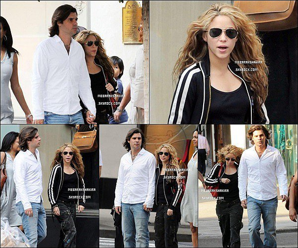 21 août 2008 : Shakira et le bel Antonio de La Rua marchant dans les rues de New York City