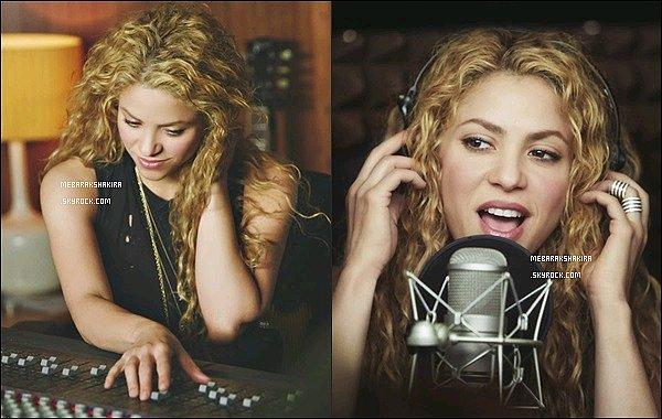 Nouvelles photos promotionnelles de la belle blonde pour T-Mobile