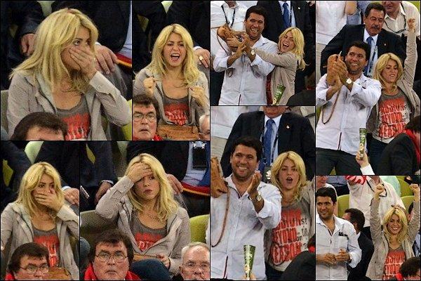 18 Juin 2012 : Shakira et Tonino assistaient au match Espagne-Croatie à Gdansk en Pologne Shakira était vraiment à fond dans le match, elle me fait rire avec ses petites moues, elle est juste trop craquante