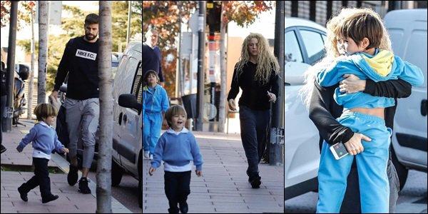 3 Novembre 2017 : Shakira a été pris en photo avec sa coach sportive Anna Kaiser et son fils à Barcelone Ils sont adorables tous les trois. Shakira est vraiment géniale avec les enfants *_* de plus sa tenue de sport a l'air très sympa :)