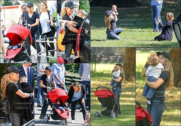 23 Septembre 2015 : Shakira et Sasha sont allés faire une petite promenade dans Central Park Ils sont adorables tous les deux, Shakira est trop mignonne avec son fils ! On voit qu'elle apprécie la vie de maman :)