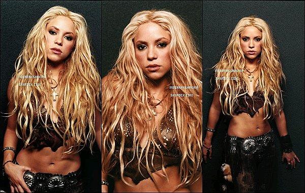 ●● Redécouvrez un ancien photoshoot de Shakira réalisé par Joe Pugliese  en 2001
