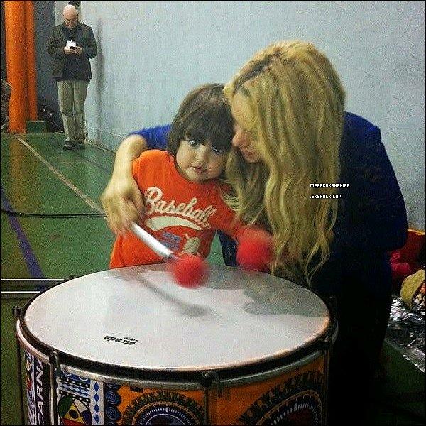 Une nouvelle photo de Shakira & Milan datant de juillet 2014 est sortie