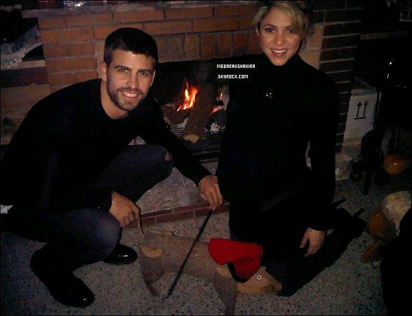 25 décembre 2012 : Shakira & Gerard ont passé noël ensembles, S. était alors enceinte de Milan