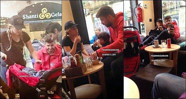 15 mars 2015 : La famille Piqué-Mebarak est allée dans un bar à Barcelone