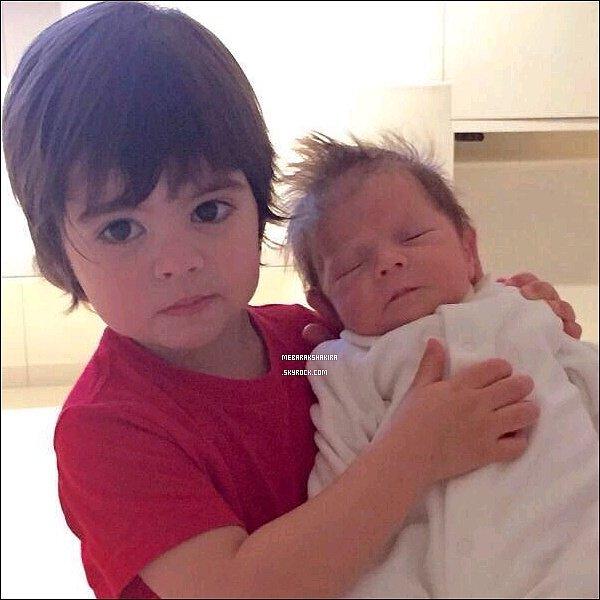 Première photo de Milan & son petit frère Sasha ! Ils sont si mignons tous les deux ! ♥