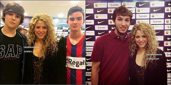 17 avril 2015 : Shakira & Gerard était à un match de basket à Barcelone. Ils sont adorables ♥