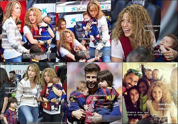18 avril 2015 : Mlle Plus-Que-Parfaite était en compagnie de ses deux fils ainsi que de sa belle-mère pour regarder son beau footballeur jouant au Camp Nouà Barcelone ♥ Ils sont vraiment magnifiques sur ces photos !