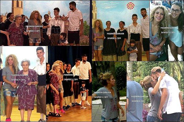 7 août 2015 : Shakira & Gerard étaient à Reus pour le 100 ème anniversaire d'une tante de Gerard Rita Piqué a reçu les félicitations du maire de la ville de Reus pour son premier siècle ! Ce n'est pas rien effectivement, HB à elle :)
