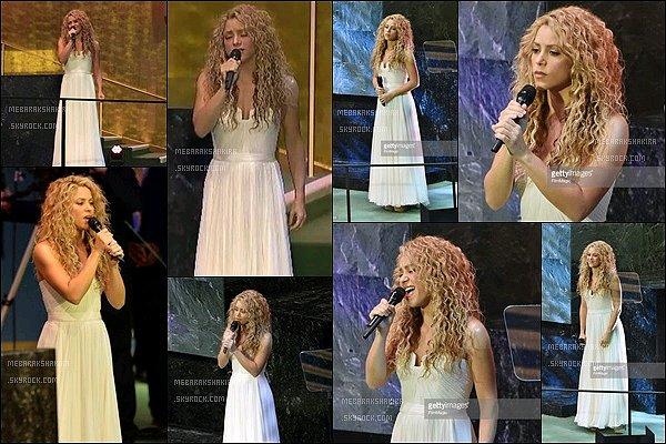 25 Septembre 2015 : Shakiraet son petit Sasha sont allés à l'ONU, où la belle y donnait un concert Shakira était tout simplement fabuleuse ! J'aime beaucoup sa performance. Le Pape lui-même était présent à cette assemblée de l'ONU.