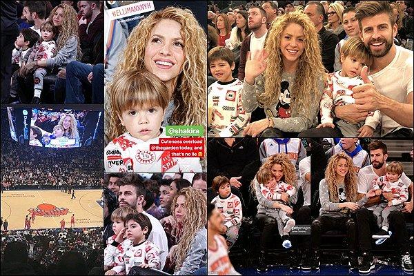 25 décembre 2017 : Shakira, Gerard et les garçons ont assisté à un match de la NBA à New York C'est tellement génial de voir de tels photos de la famille Piqué-Mebarak le jour de noël, ils sont magnifiques tous les quatre ♡