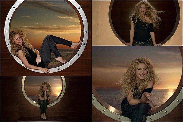 25 DEC 2017 ▬ Découvrez la nouvelle publicité de Shakira pour Costa Croisières Cette publicité avait été tourné à Barcelone le 27 septembre dernier. Shakira est ravissante avec ses cheveux frisés *__*