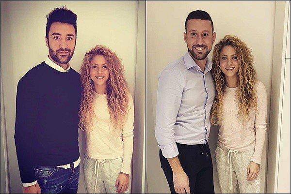 4 décembre 2017 : la ravissante Shakira Mebarak a été aperçu dans sa voiture à Barcelone Elle est juste trop mignonne *_* ça fait plaisir de revoir sa petite bouille tout sourire après plusieurs semaines ♥