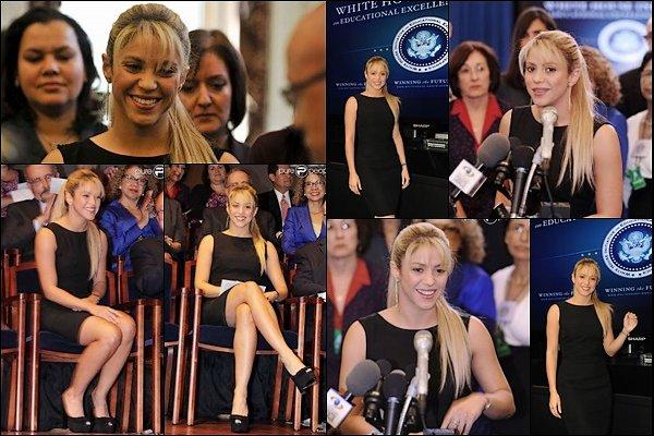 6 Octobre 2011 : Shakira a donné une conférence pour promouvoir l'éducation des enfants à la maison blanche Shakira était sublime dans cette robe noire. S. est toujours aussi motivée pour défendre les bonnes causes !