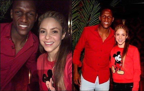 3 mai 2018 : Shakira a posté une photo en compagnie du footballer Yerry Mina lors d'une soirée à Barcelone Shakira était vraiment adorable, j'aime bien son sweat Mickey ainsi que sa coiffure, elle était encore une fois au TOP ! :)