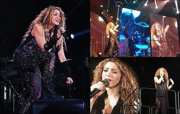 1er Juillet 2018 : Shakira a pris quelques photos avec des fans chanceux àLa Coruña en Espagne Shakira est superbe, vraiment radieuse et adorable avec son petit sourire ! Quelle chance ils ont eu de la rencontrer !!