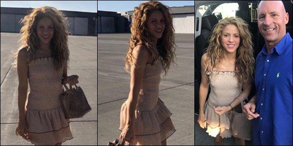 3 septembre 2018 : Shakira a été vu avec Milan sortant de The Cheesecake Factory à Berverly Hills Shakira est radieuse !! J'aime beaucoup sa tenue et la voir aussi souriante est un vrai bonheur ! Un grand TOP :)