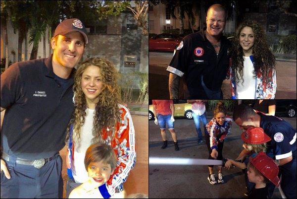17 février 2019 : Shakira et les garçons ont visité le la caserne des pompiers de Miami Beach Shakira était superbe, j'aime beaucoup sa veste colorée ainsi que ses cheveux bouclés, cette tenue était au TOP !