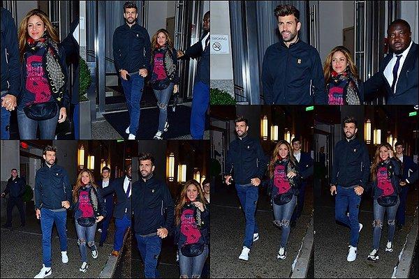 6 septembre 2019 : Shakira & Gerard ont été vu se promenant dans les rues de New York Ils sont beaux tous les deux, j'aime beaucoup la tenue de Shakira, elle est simple et jolie, un TOP pour le coup ! :)