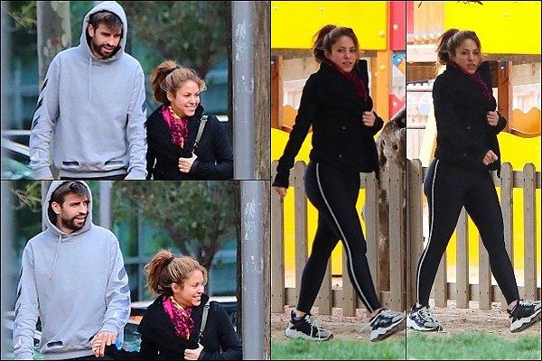 8 mai 2019 : Shakira et Gerard étaient de sortie avec les enfants dans un parc à Barcelone Ils sont adorables tous les deux, j'aime bien la tenue et les baskets de Shakira, tenue confortable, au TOP :)