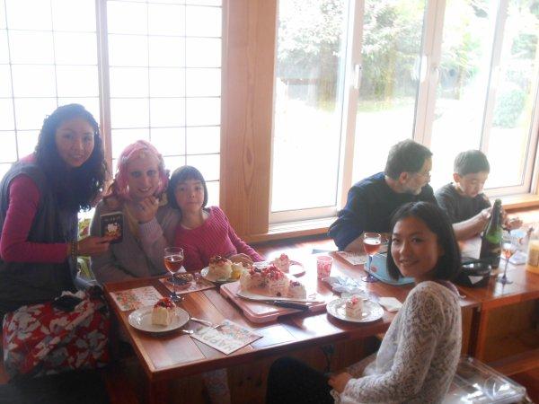 Mai 2013, avec Michiko et sa famille et Yukiko