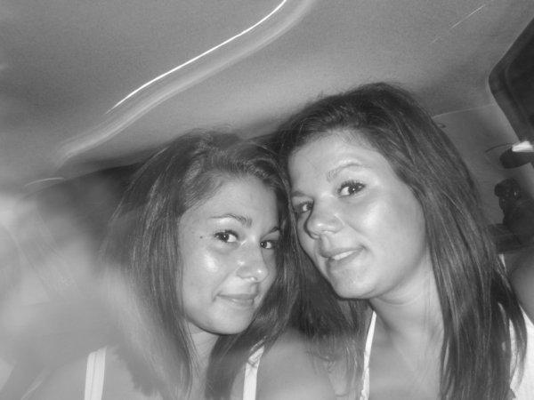 moi et ma soeur <3  :*