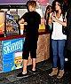 ♥ Jelena dans un centre commerçial