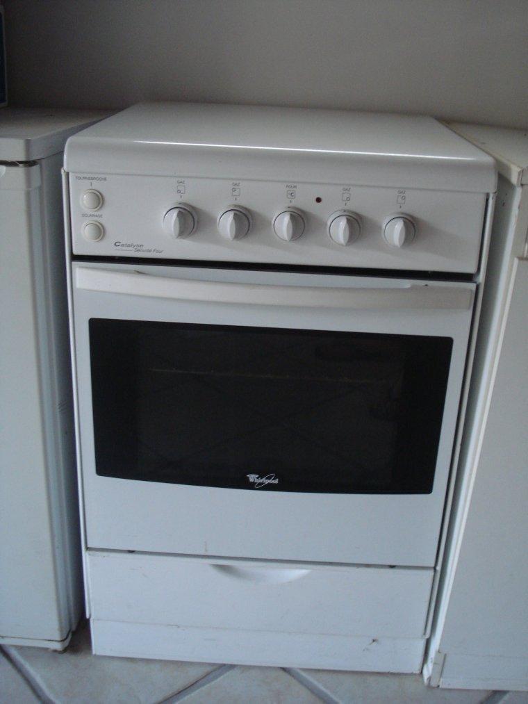 vente chaude en ligne c2427 0c420 Electroménager - Gazinière Whirpool - Ventes diverses occasion