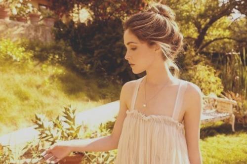 « Au bout de combien de temps oublie-t-on l'odeur de celui qui vous a aimée ? Et quand cesse-t-on d'aimer à son tour ? Qu'on me tende un sablier. » - Anna Gavalda